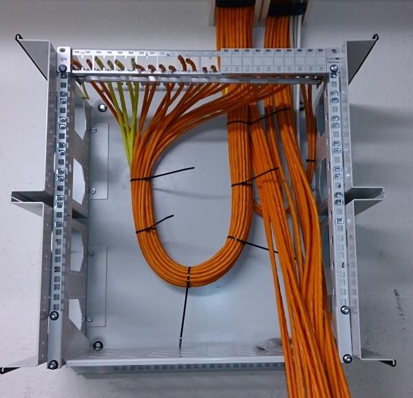 Die nächsten Kabel sind aufgelegt ...